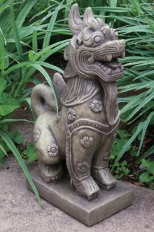 5302 Foo Dog with Floral Accents