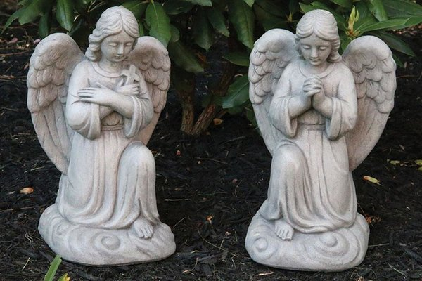 #1474 Ava Kneeling Angel With Cross